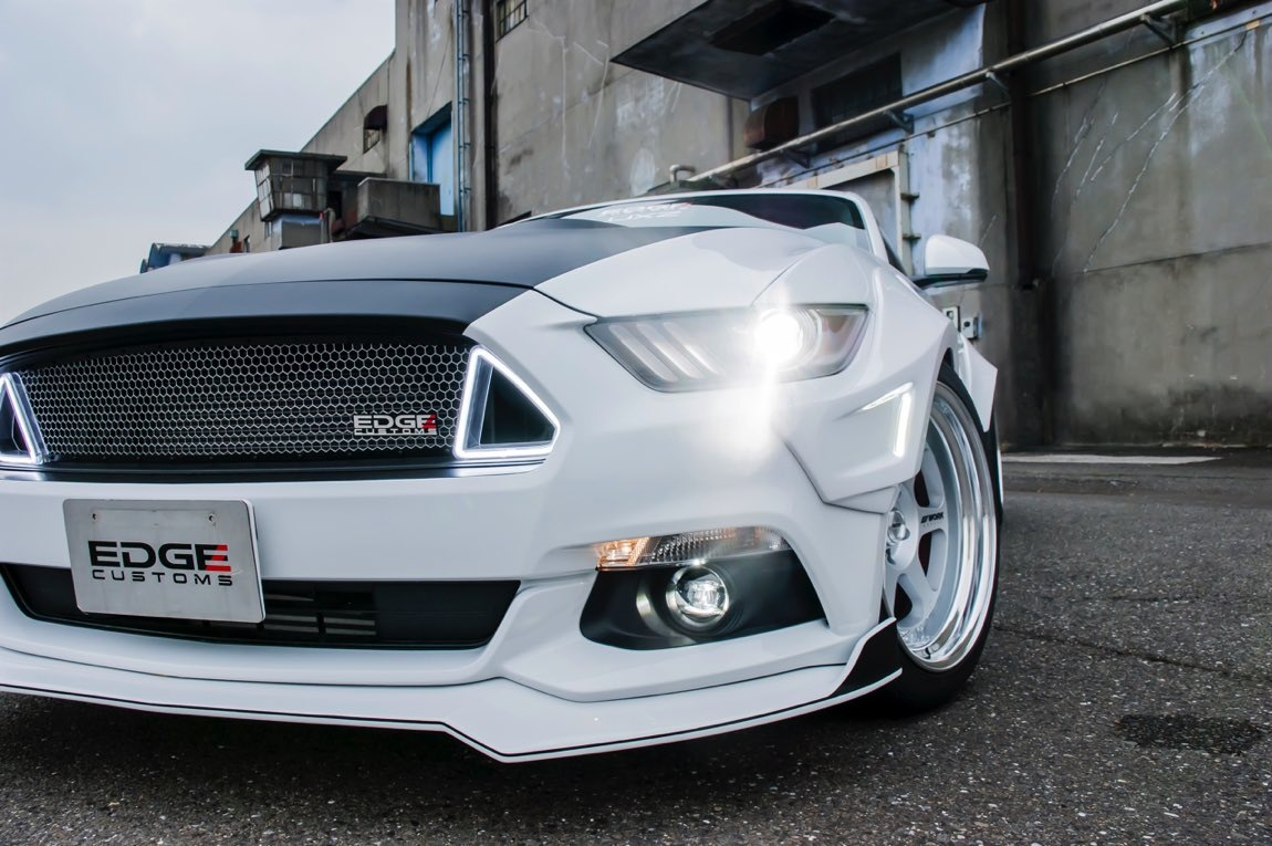FORD MUSTANG R 08